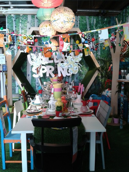"Might use this set-up for my ""next"" spring party  (in the US)"