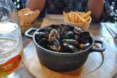 Half order of mussels.. HALF!