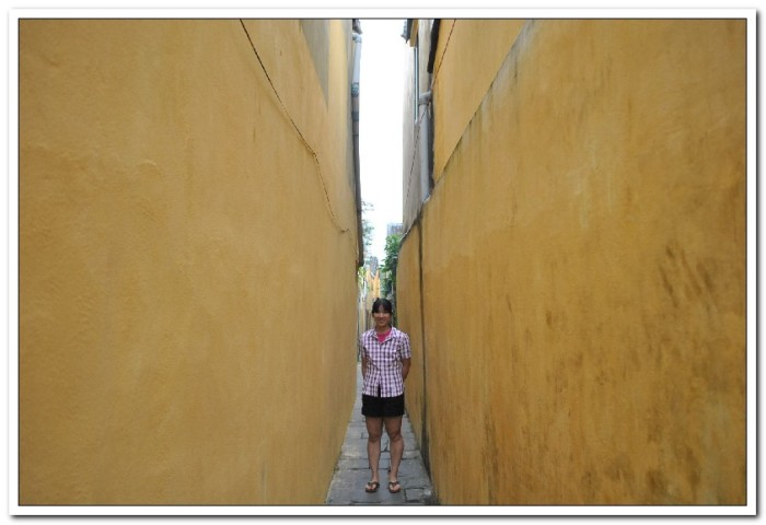 One of the many alleys in Hoi An