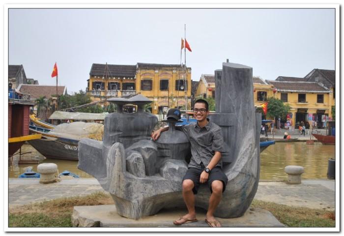 Sculpture along Hoi An river walk