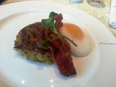 VA LHR Upper Class Lounge - bubble & squeak, duck egg, bacon