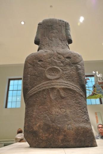 Moai(back- with birdman cult carvings)